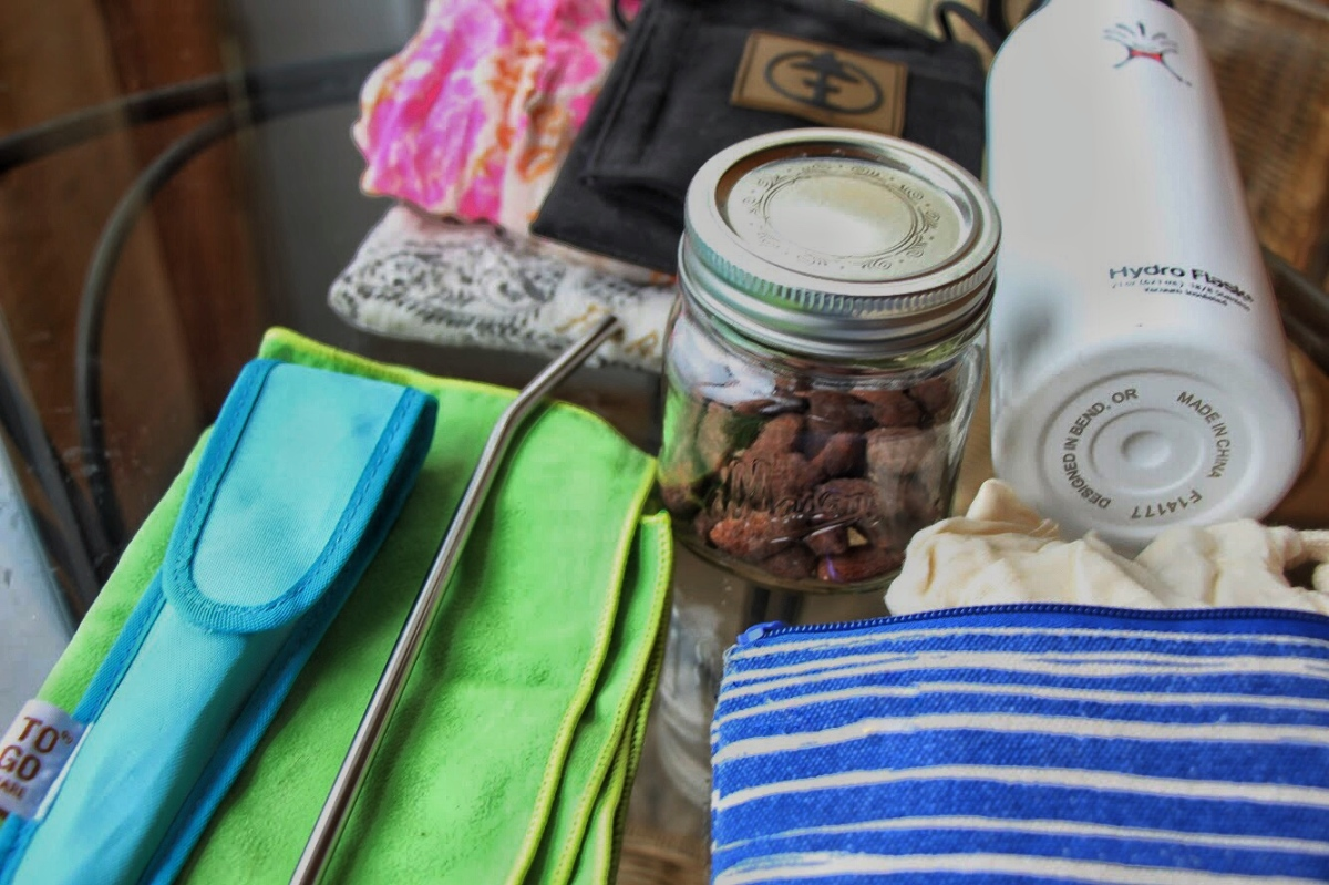 Easy Steps to Using Less Plastic On The Go